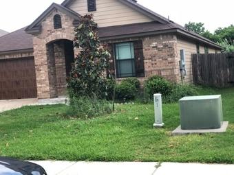 Lawn Mowing Contractor in Manor, TX, 78653