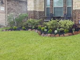 Lawn Mowing Contractor in Rosharon, TX, 77583