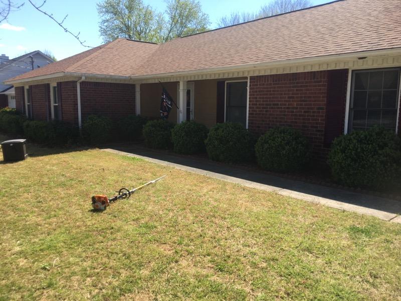 Lawn Mowing Contractor in Decatur , AL, 35611