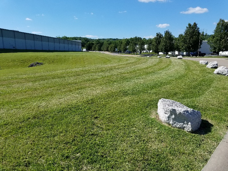 Lawn Mowing Contractor in Labadie, MO, 63055