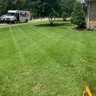 Lawn Mowing Contractor in Gallatin, TN, 37048