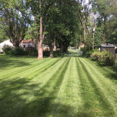 Lawn Mowing Contractor in Benld, IL, 62002