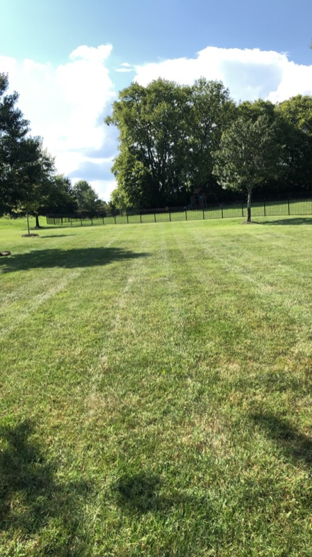 Lawn Mowing Contractor in Gallatin, TN, 37066