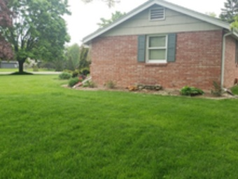 Lawn Mowing Contractor in Milwaukee, WI, 53224