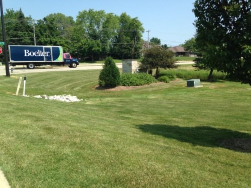 Lawn Mowing Contractor in Menomonee Falls, WI, 53051