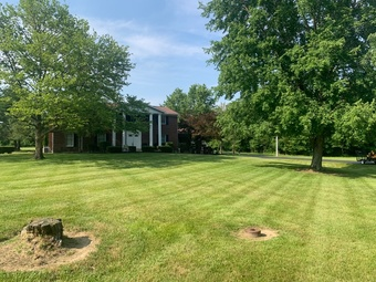 Lawn Mowing Contractor in Amelia, OH, 45102