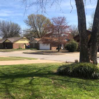 Lawn Mowing Contractor in Noble, OK, 73068