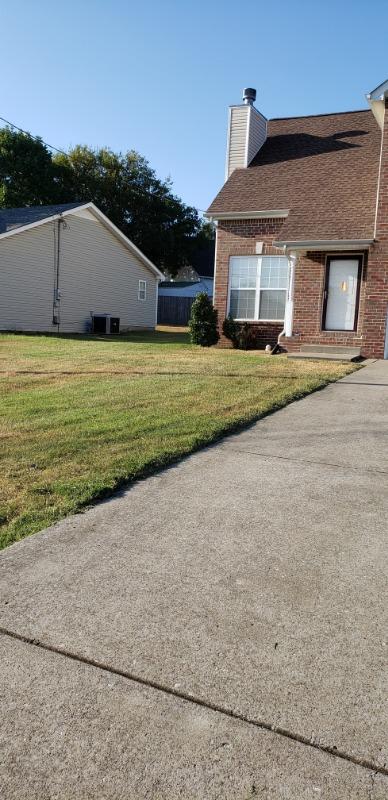 Lawn Mowing Contractor in Nashville, TN, 37080