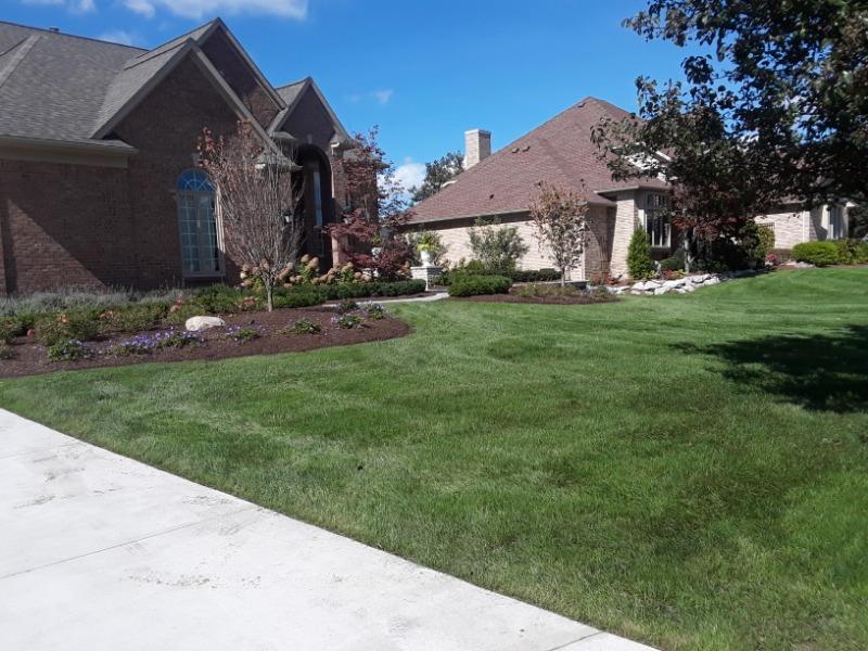 Lawn Mowing Contractor in Ecorse, MI, 48229