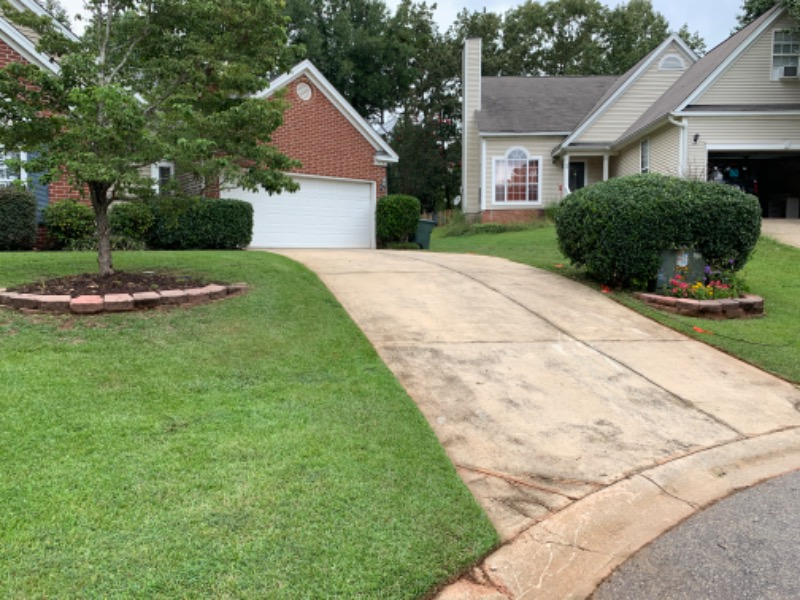 Lawn Mowing Contractor in Hopkins, SC, 29061