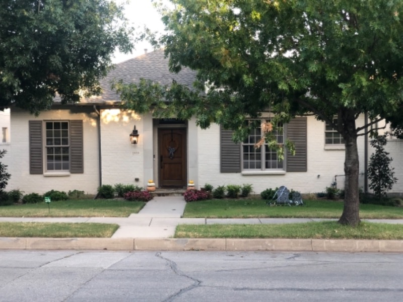 Lawn Mowing Contractor in Fort Worth, TX, 76054