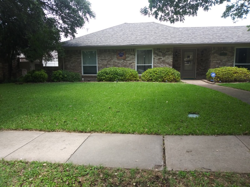 Lawn Mowing Contractor in Balch Springs, TX, 75180