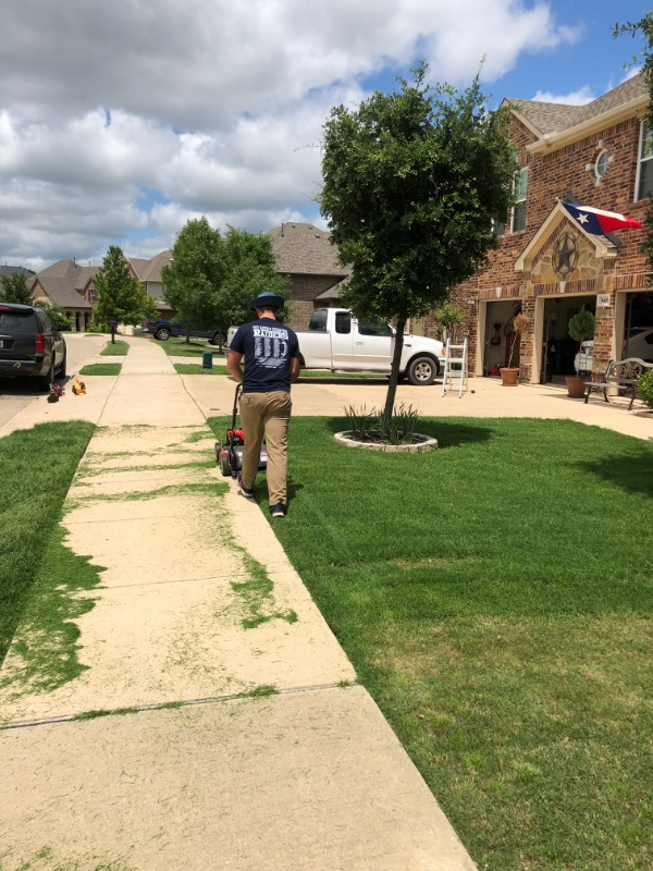 Lawn Mowing Contractor in Denton, TX, 76208