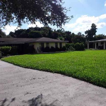 Lawn Mowing Contractor in Miami, FL, 33142