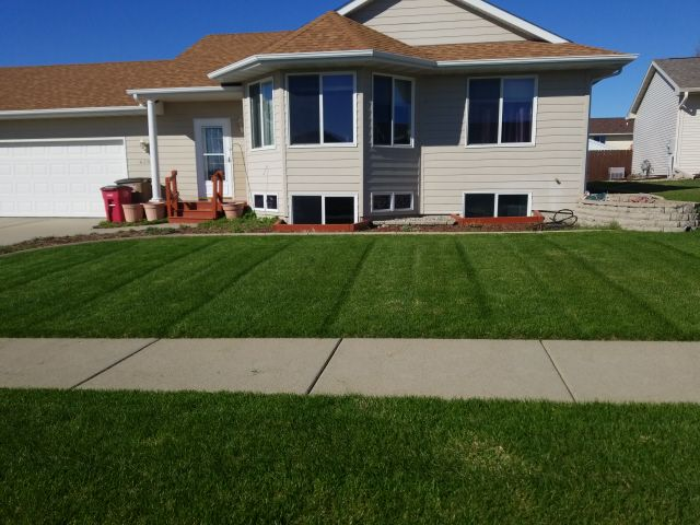 Lawn Mowing Contractor in Renner, SD, 57055