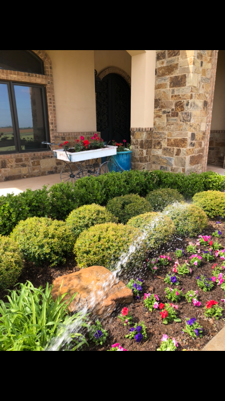 Lawn Mowing Contractor in Lubbock, TX, 79423