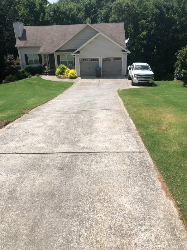 Lawn Mowing Contractor in Plainville, GA, 30733