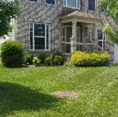 Lawn Mowing Contractor in Clarksville, TN, 37043