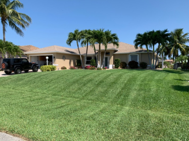 Lawn Mowing Contractor in Cape Coral, FL, 33990