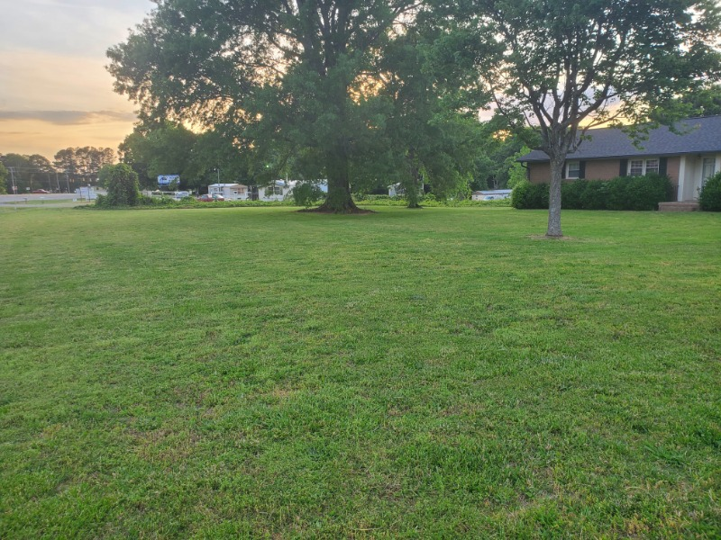 Lawn Mowing Contractor in Grover, NC, 28073
