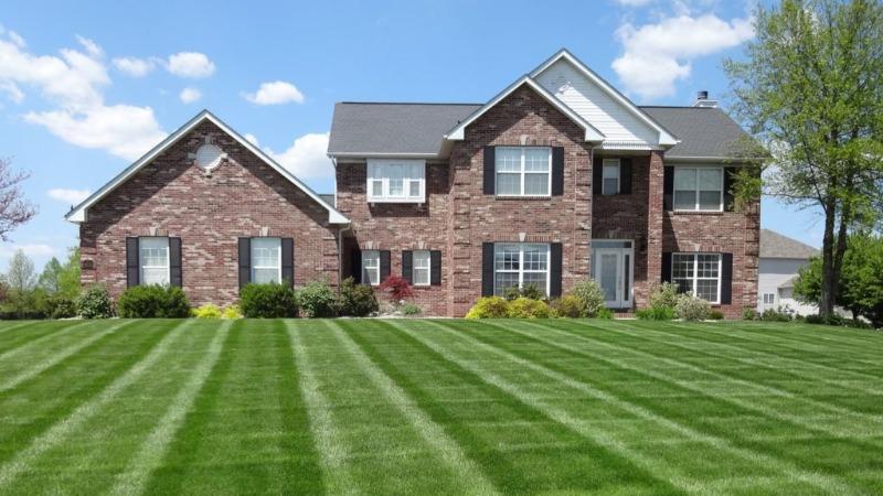 Lawn Mowing Contractor in Bonner Springs, KS, 66043