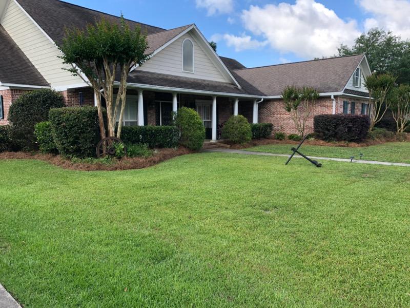 Lawn Mowing Contractor in Biloxi, MS, 39532