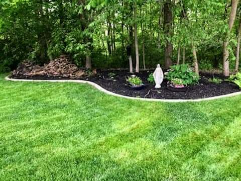 Lawn Mowing Contractor in Lapel, IN, 46051