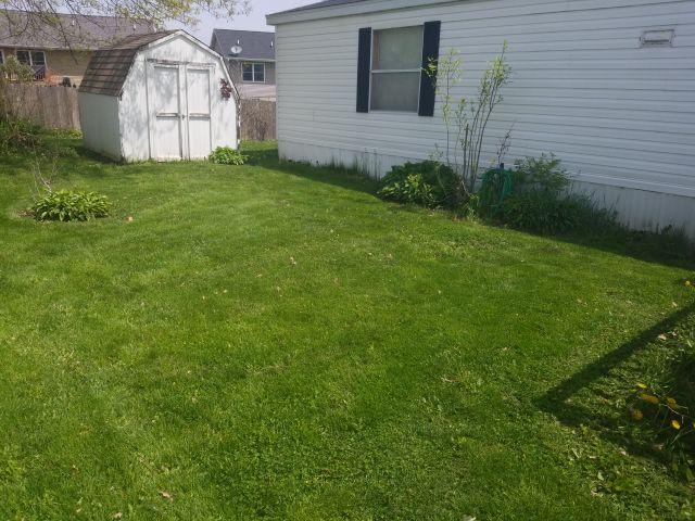 Lawn Mowing Contractor in Cedar Rapids, IA, 52405