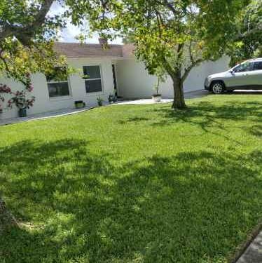 Lawn Mowing Contractor in Clarcona, FL, 32703