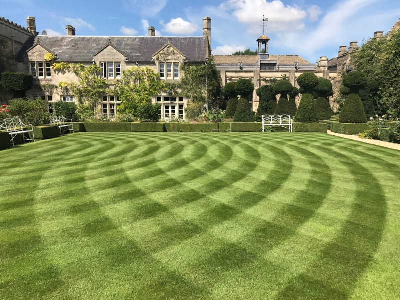 Lawn Mowing Contractor in Charlotte, NC, 28213