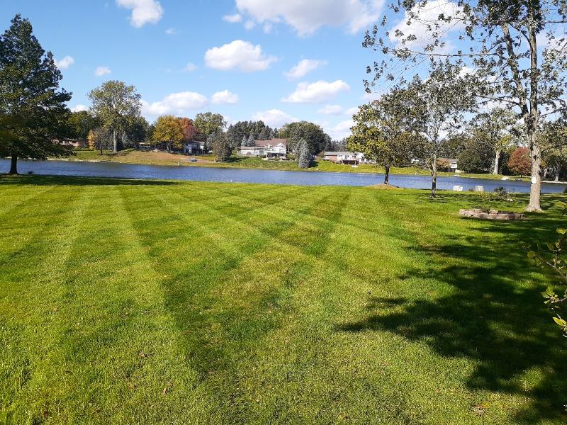 Lawn Mowing Contractor in Pontiac, MI, 48210