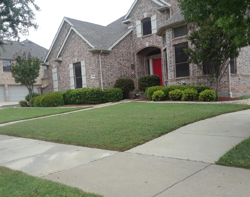 Lawn Mowing Contractor in Fort Worth, TX, 76119