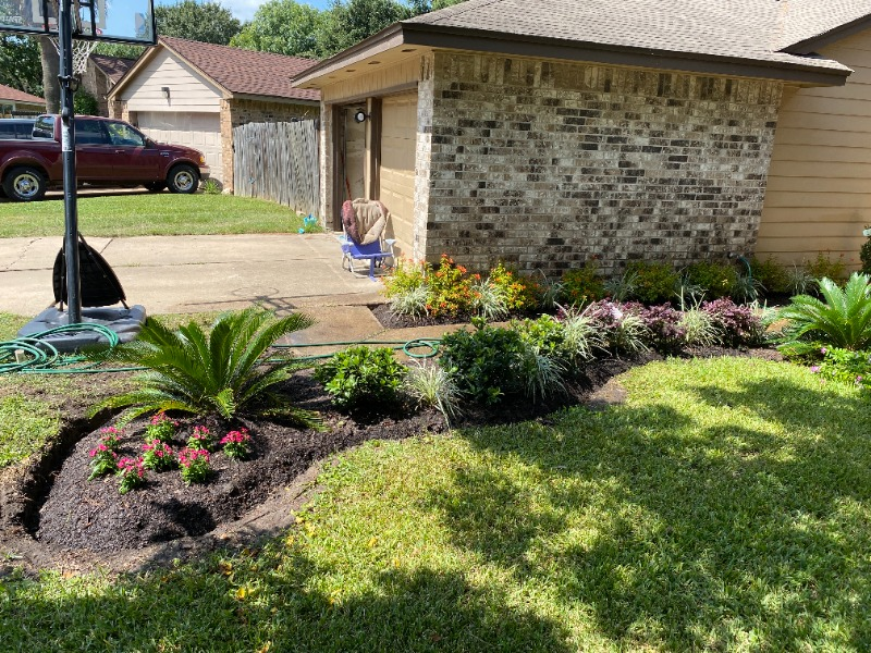Lawn Mowing Contractor in Houston, TX, 77084