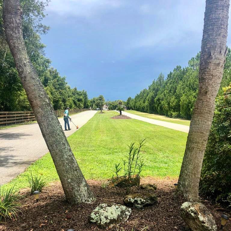 Lawn Mowing Contractor in Summerfield, FL, 34491