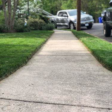 Lawn Mowing Contractor in Austin, TX, 78744