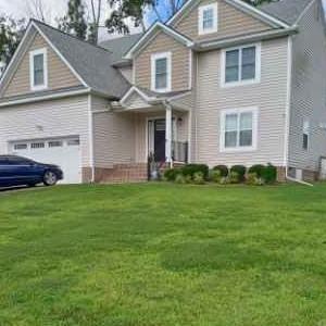 Lawn Mowing Contractor in Richmond, VA, 23224