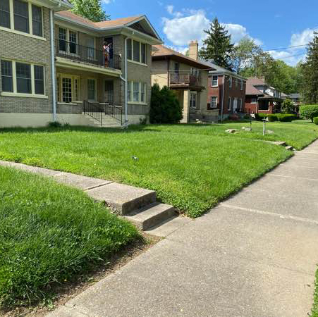 Lawn Mowing Contractor in Louisville, KY, 40258