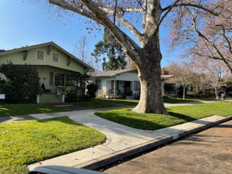 Lawn Mowing Contractor in Sacramento, CA, 95838