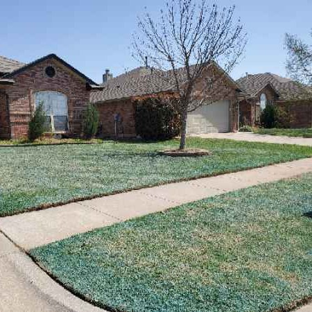 Lawn Mowing Contractor in Norman, OK, 73026