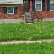 Lawn Mowing Contractor in Louisville, KY, 40216