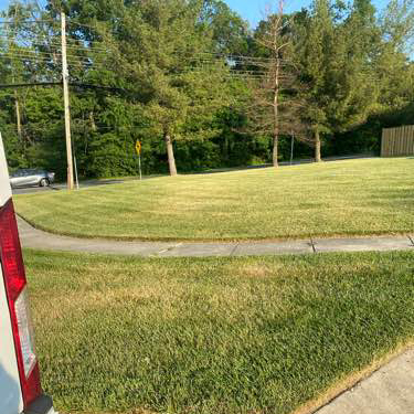 Lawn Mowing Contractor in Potomac, MD, 20854