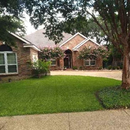 Lawn Mowing Contractor in San Antonio, TX, 78209