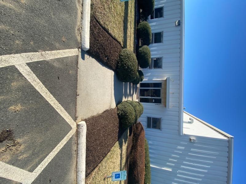 Lawn Mowing Contractor in Richmond, VA, 23237