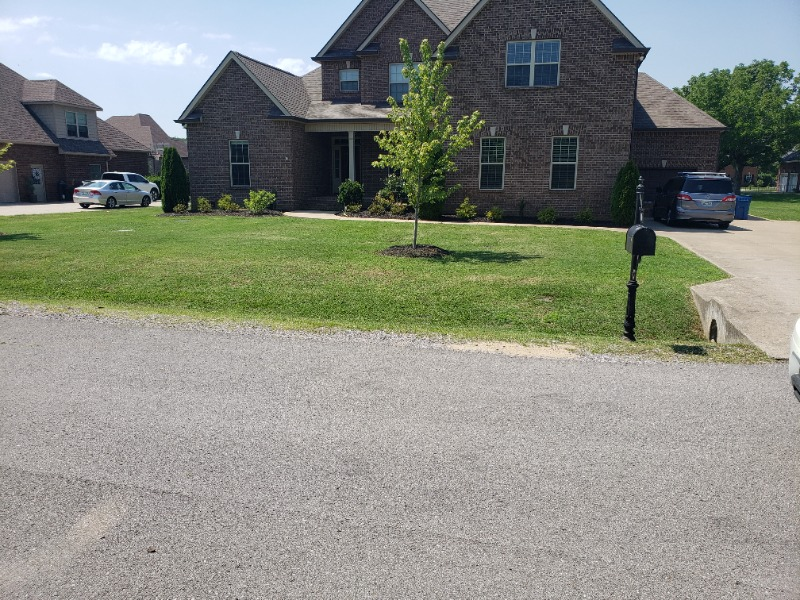 Lawn Mowing Contractor in Murfreesboro, TN, 37127