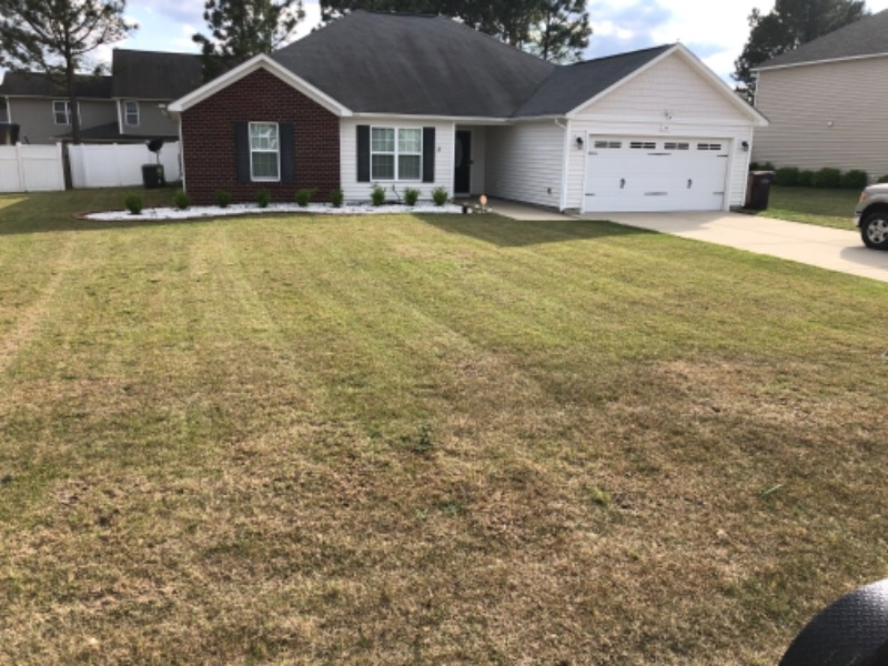 Lawn Mowing Contractor in Fayetteville, NC, 28311