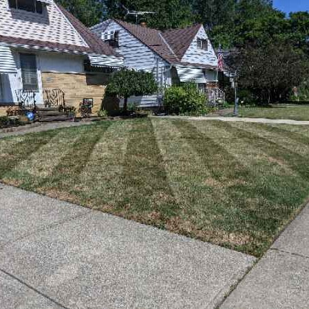Lawn Mowing Contractor in Cleveland, OH, 44125
