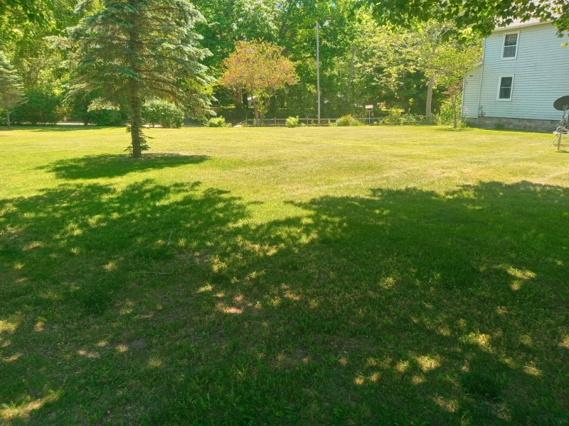 Lawn Mowing Contractor in Fowler, MI, 48835