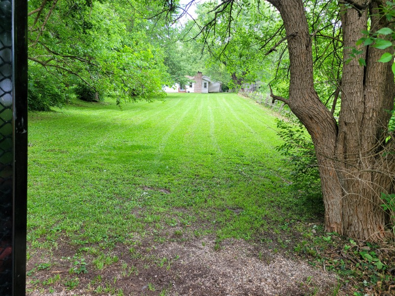 Lawn Mowing Contractor in Springfield, IL, 62702