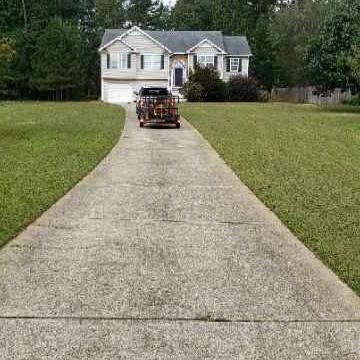 Lawn Mowing Contractor in Marietta, GA, 30008
