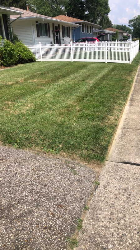 Lawn Mowing Contractor in Canal Winchester, OH, 43110